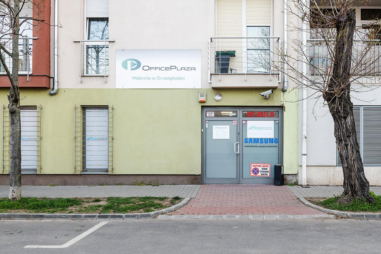 Office Plaza Bemutatóterem Utcafront